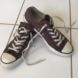 Converse Brown size 7